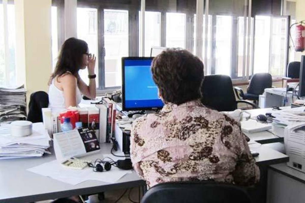 Las empleadas y empleados públicos vuelven a ocupar los centros de trabajo