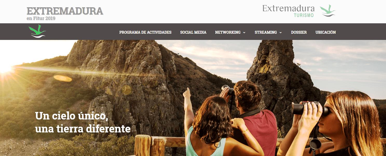 Un cielo único, una tierra diferente, lema de los recursos naturales de día y el firmamento de noche, ofertas de Extremadura en FITUR 2019