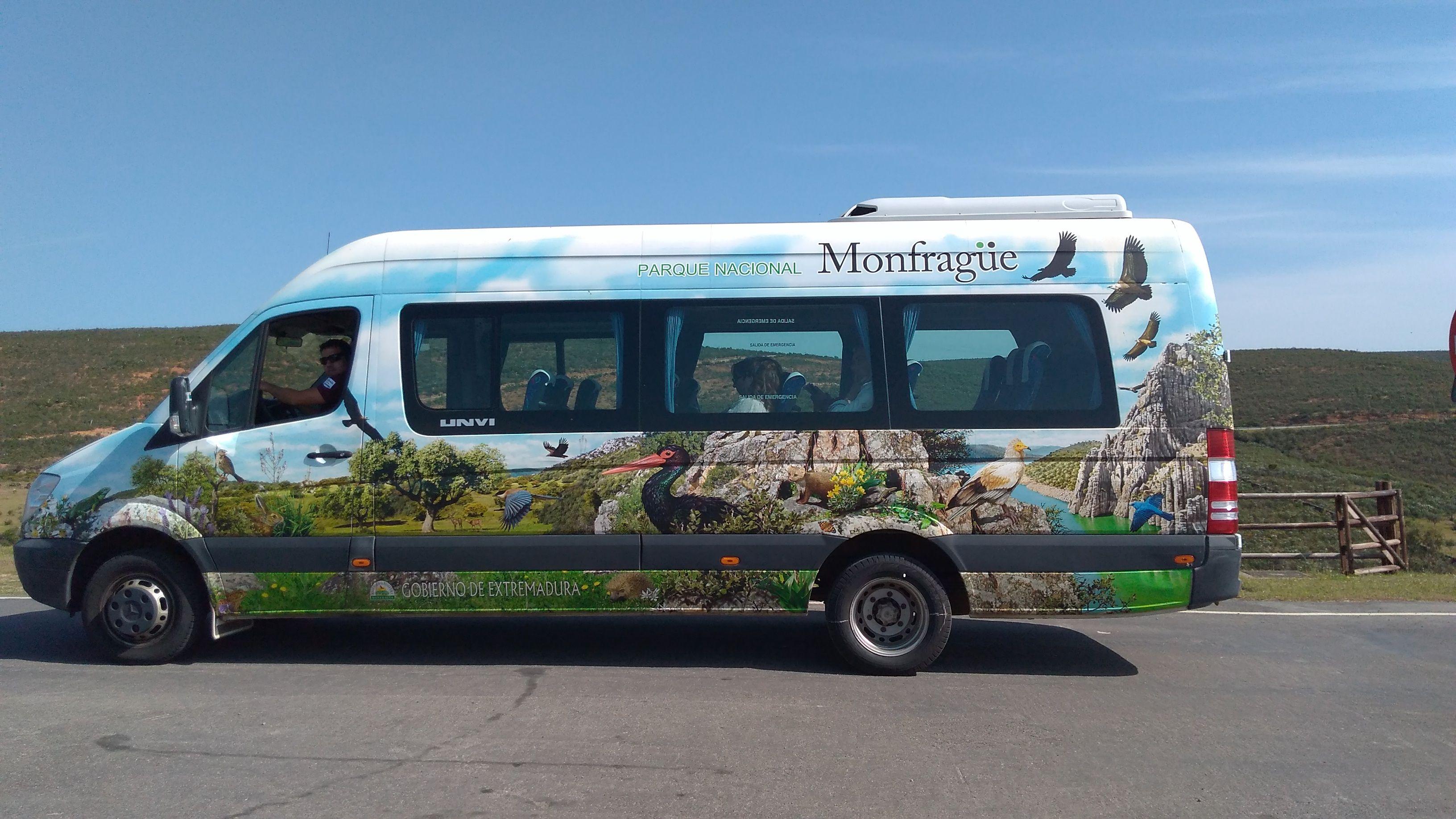 Más de 34.000 visitantes han utilizado el microbús para recorrer Monfragüe