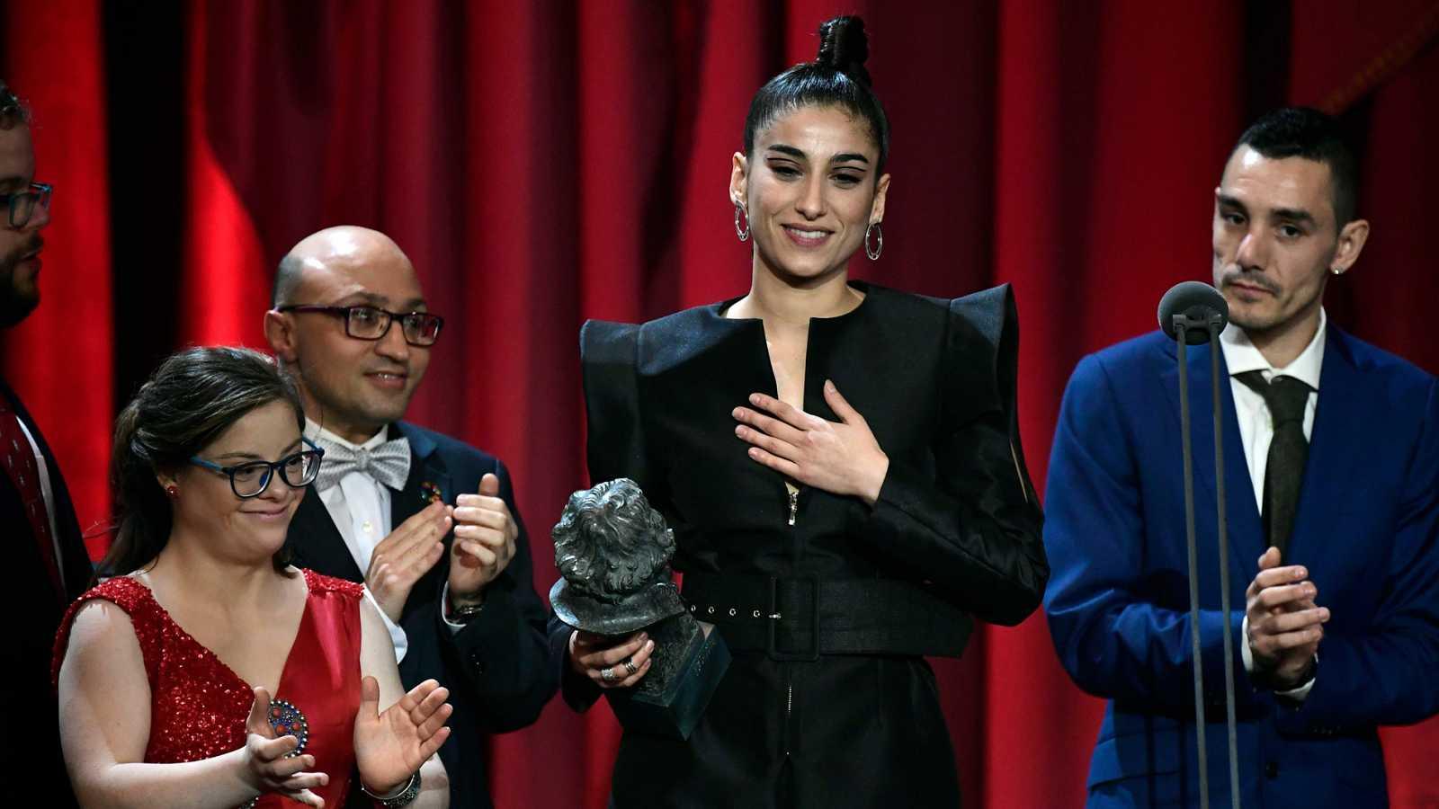"""Carolina Yuste se lleva """" un cabezón"""", premio Goya a la mejor Actriz de Reparto por su interpretación en CARMEN Y LOLA"""