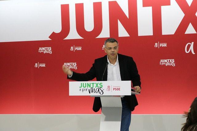 J.A. González, PSOE: El rechazo a los presupuestos de la derecha y los independentistas daña los intereses de los extremeños