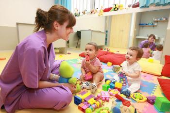 Las deducciones en las declaraciones de la renta vuelven a jugar a favor de las madres trabajadoras.