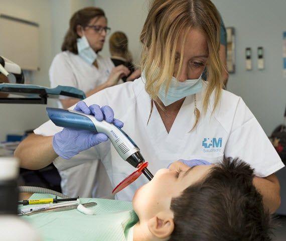 El Plan de Asistencia Dental Infantil, uno de los ejes del estado de bienestar
