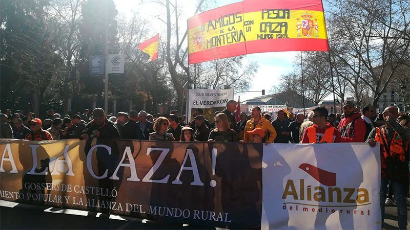 BASTA YA DE ABUSOS, Manifestación multitudinaria en Madrid  en apoyo al mundo rural y la caza