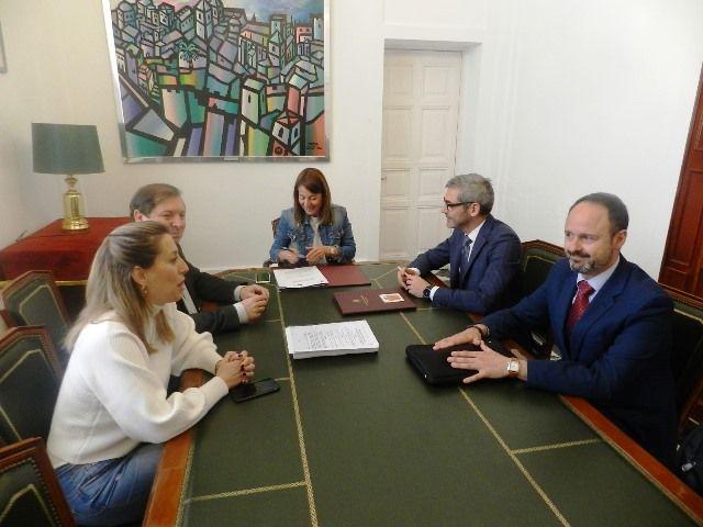 La Administración electrónica se implanta en el ayuntamiento de Cáceres