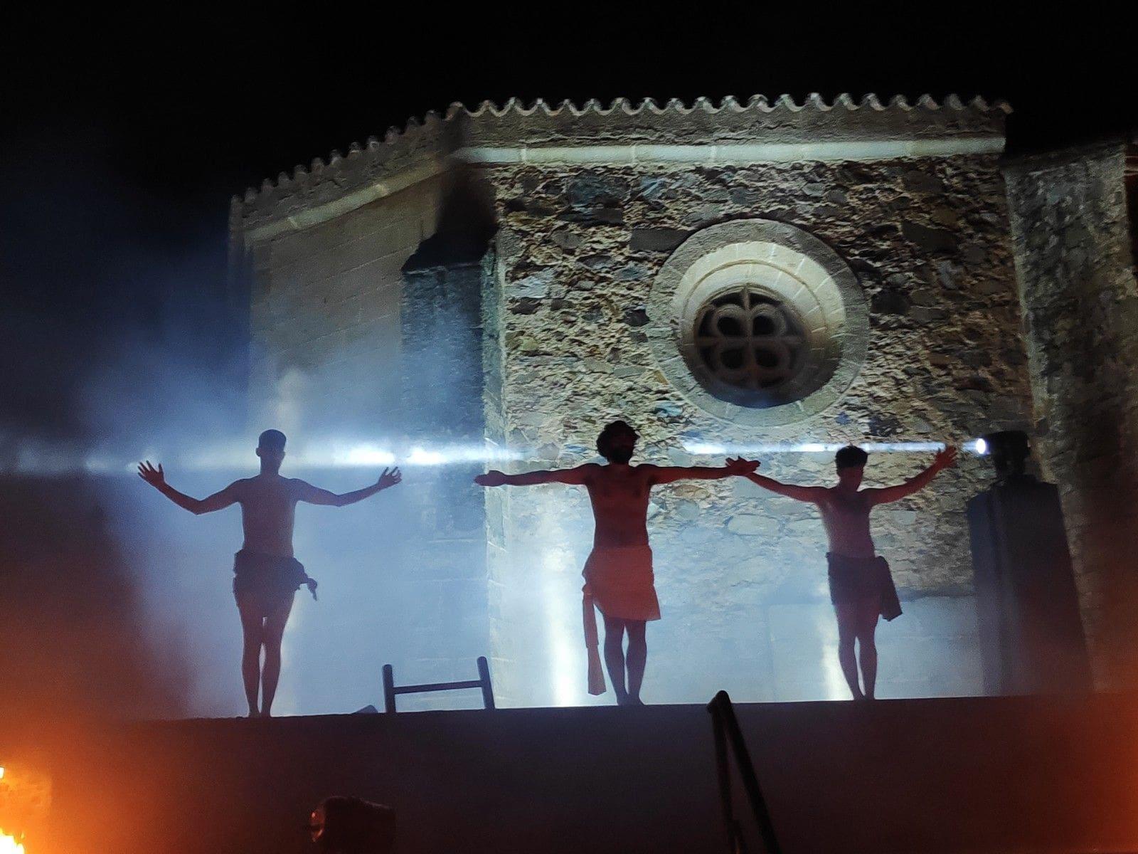 La Pasión Viviente, la emoción hecha realidad en el recinto histórico cacereño