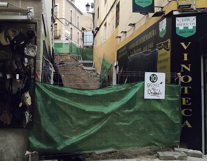 El próximo viernes se podrá pasar por la calle Alzapiernas al colocarse la anhelada pasarela provisional