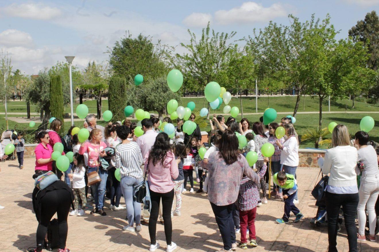 Un centenar de personas reivindican en Villanueva de la Serena la importancia de la Atención Temprana