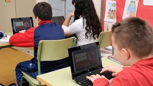 100.000 alumnos extremeños tendrán acceso a Internet de banda ancha a través de más de 11.000 puntos WiFI