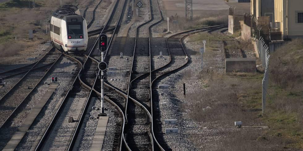El tráfico ferroviario Madrid-Extremadura estará cortado un mes por reformas en tramos del trayecto