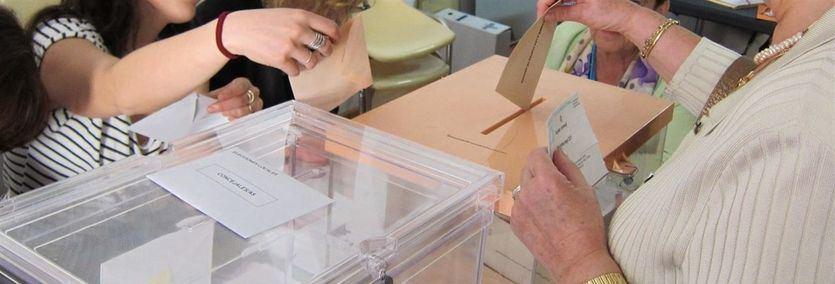 Los primeros sondeos apuntan a una victoria clara del PSOE con Unidas Podemos más otras fuerzas políticas