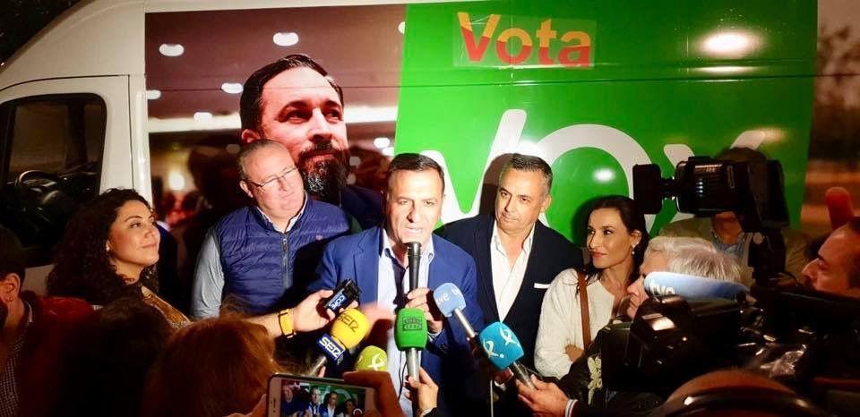 Morales inicia la campaña apostando por el empleo y por una Administración fácil que no acogote ni obstaculice a ciudadanos, autónomos y empresarios