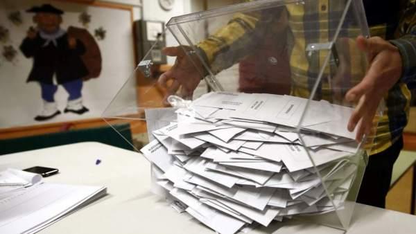 37 MILLONES DE ESPAÑOLES EJERCERÁN SU DERECHO AL VOTO EN VARIAS ELECCIONES EN UN DÍA HISTÓRICO