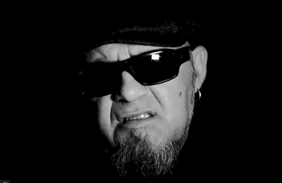 Gene García, líder de Inlavables, lanza su primer single en solitario