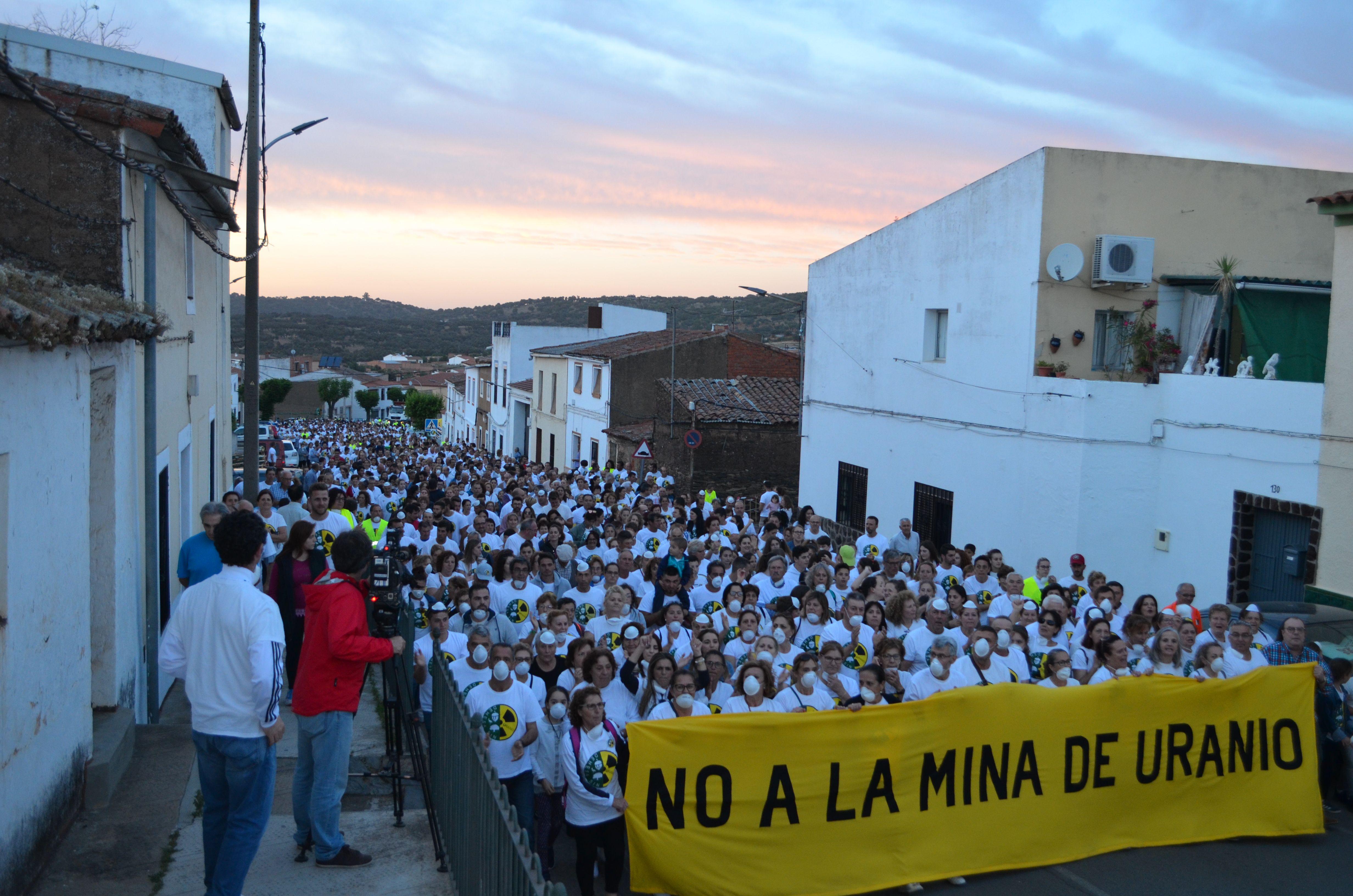 Más de 1.500 personas dicen No a la mina de uranio en Zahínos