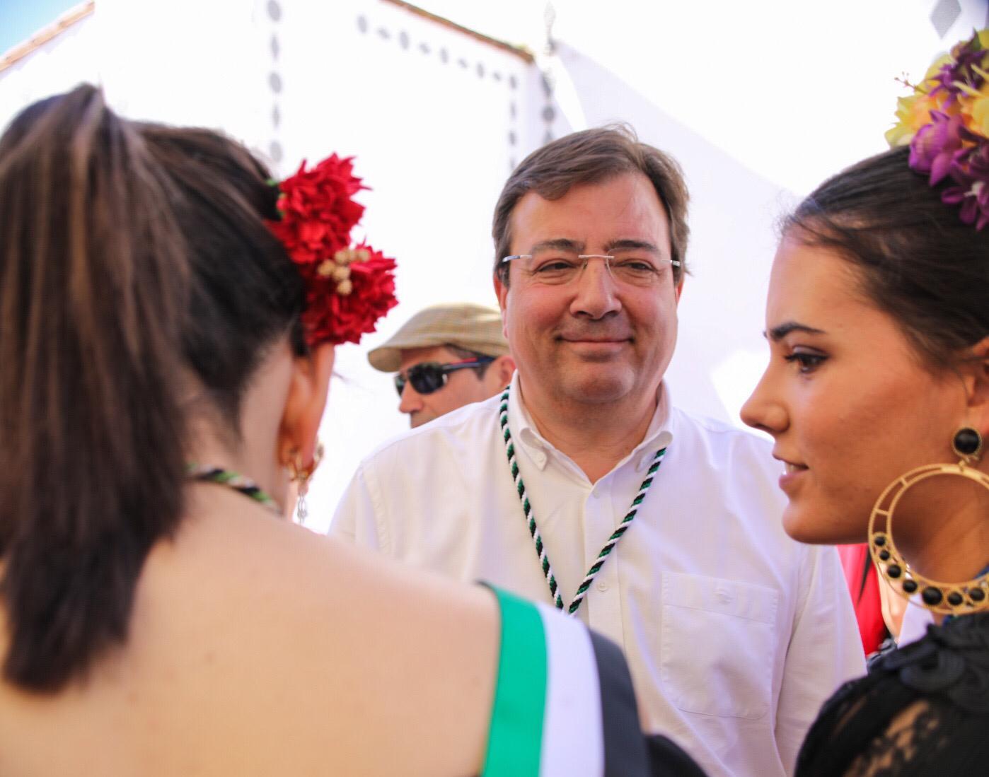 Fernández Vara recalca que su empeño ha sido y será que los agricultores no estén solos