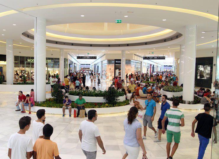 CSIF denuncia presiones de la dirección del Centro Comercial El Faro de Badajoz por presión en el horario especial de la Feria de San Juan