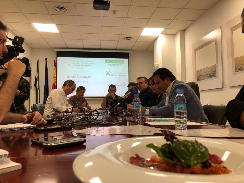 Las Hospederías de Extremadura ofrecerán el Menú Ecológico Cocina en Directo