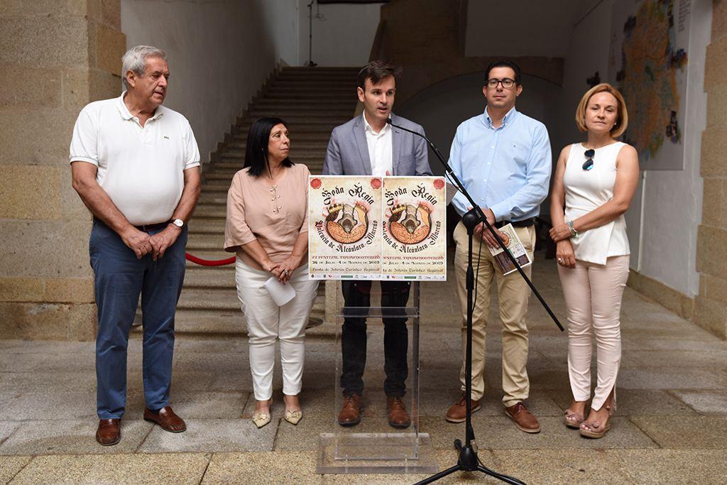 Valencia de Alcántara se prepara para celebrar una año más La Boda Regia.
