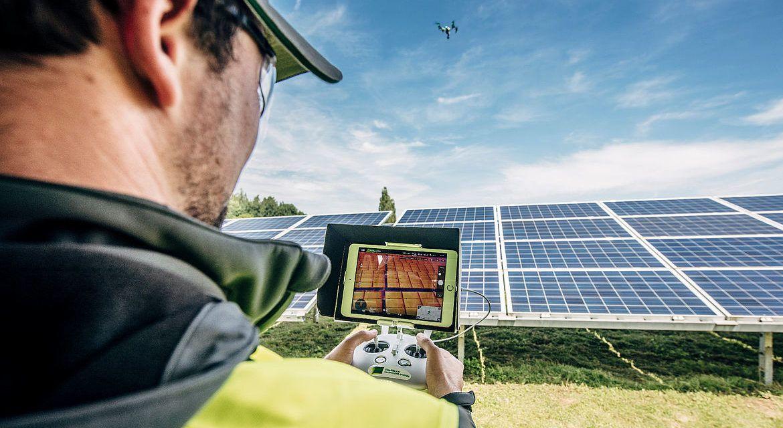 El BEI y el ICO  financiarán la mayor planta solar de Europa, que Iberdrola construye en Extremadura