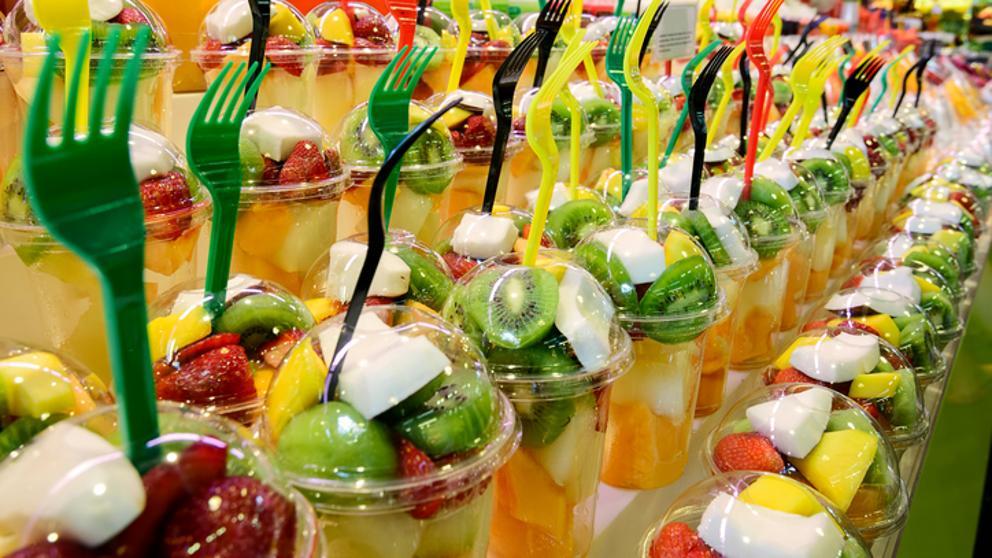 """Aumenta el consumo de fruta y verdura """" gracias"""" a la fruta cortada y a las bolsas de ensalada"""
