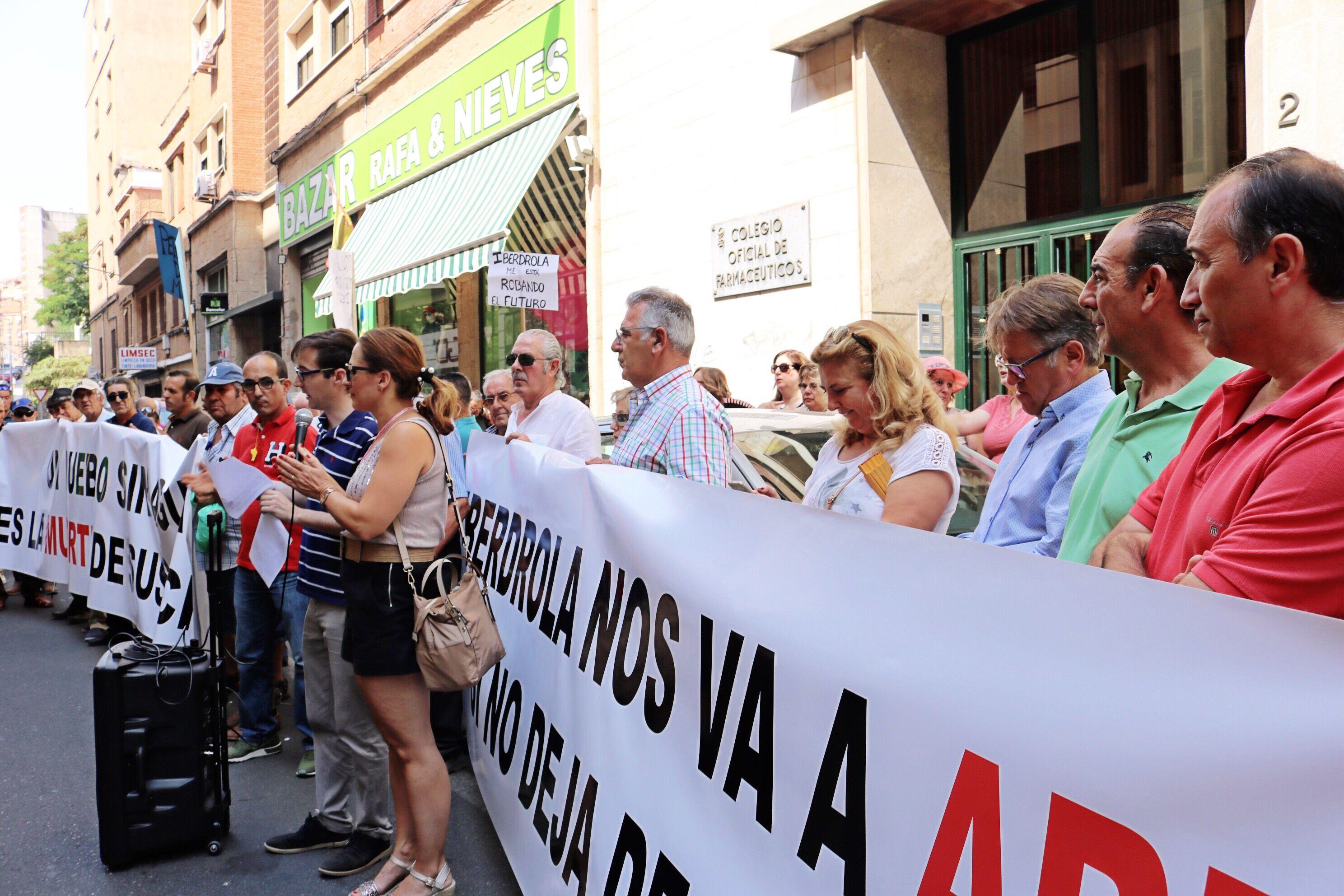 El Partido Popular critica la pasividad y la falta de previsión de Vara y del PSOE a la hora de buscar soluciones a los regantes de Peraleda de la Mata