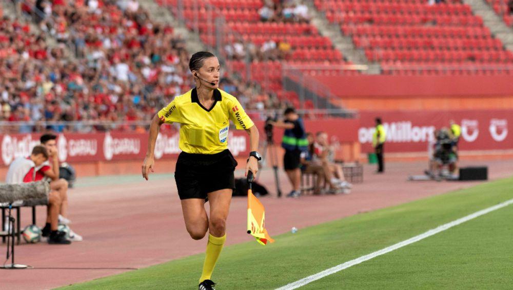 La árbitra de fútbol Guadalupe Porras, galardonada con el V Premio Nacional Deporte, Igualdad y Empresa de la Fundación Jóvenes y Deportes