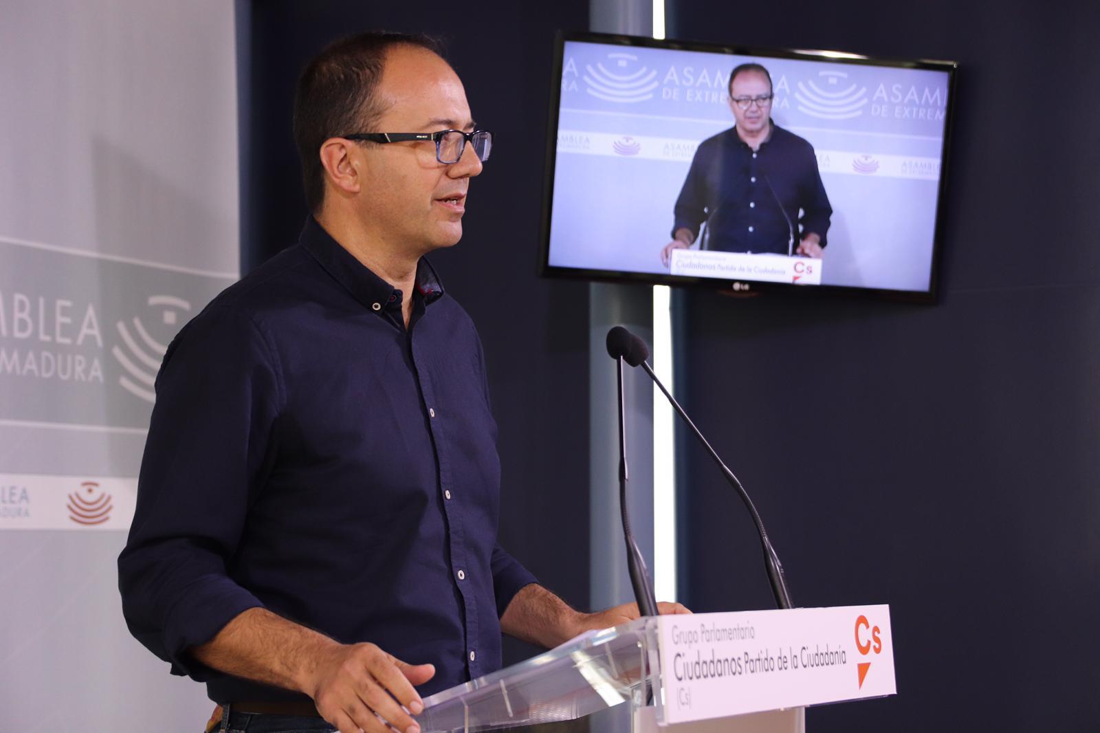 Polo exige a Vara que convoque el Pacto por el Ferrocarril de forma urgente y una manifestación el 18N en Madrid
