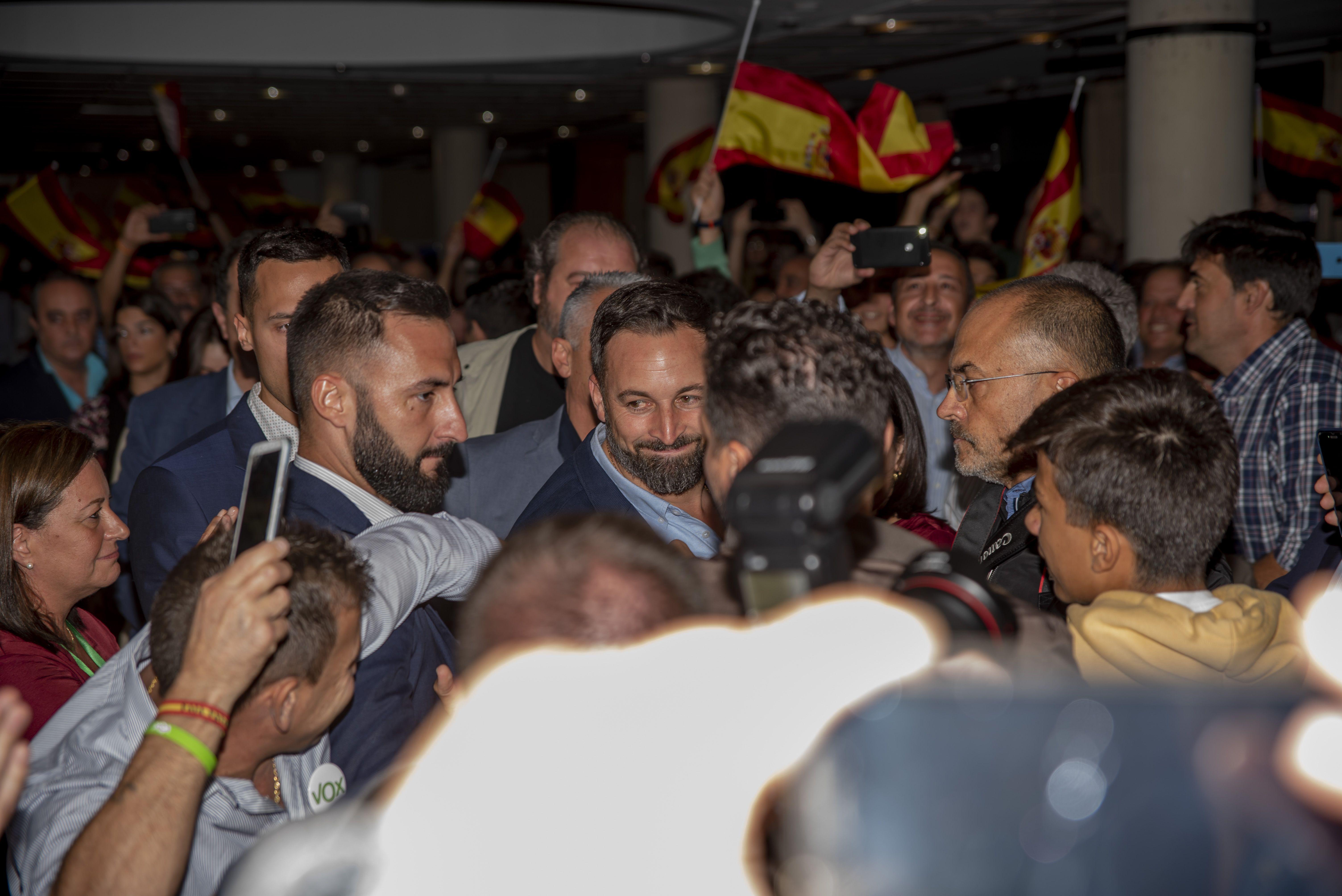 Abascal vuelve a Cáceres en loor de multitudes