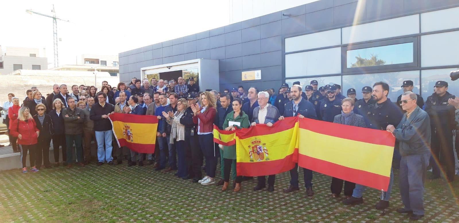Los extremeños se vuelcan en apoyo a los policías desplazados a Cataluña