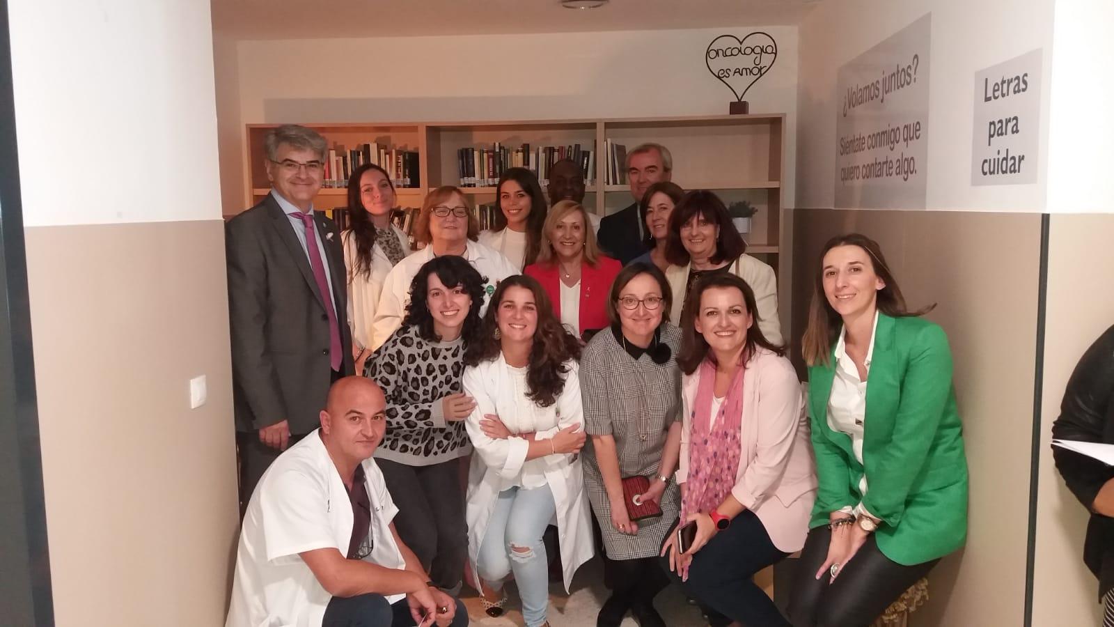 El SES pone en marcha LETRAS PARA CUIDAR, destinado a pacientes y familiares de oncología y hematología en el Hospital Universitario de Badajoz