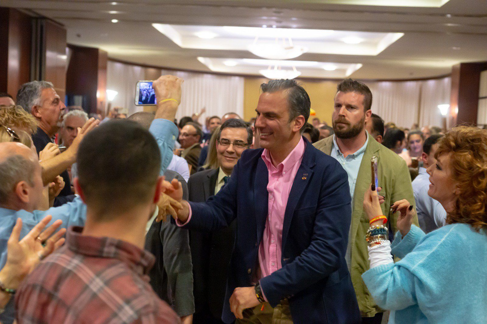 Ortega Smith, VOX, llena el Casino de Badajoz : El 10N vamos a exhumar políticamente a Pedro Sánchez de la Moncloa