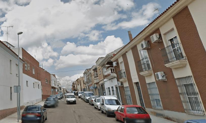 Mueren dos jóvenes por inhalación de humo en Badajoz