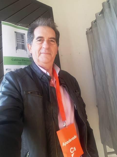 Juan Caballero, concejal de Ciudadanos en Alcuéscar y afiliados de la localidad abandonan el partido por discrepancias con la dirección regional y provincial