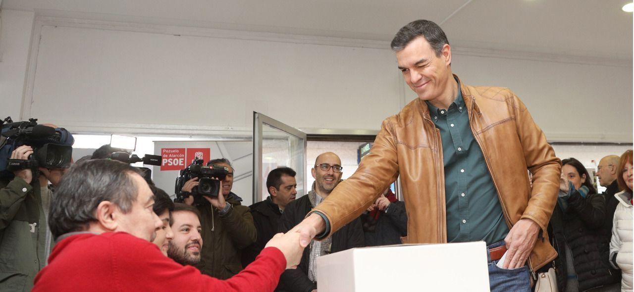 La militancia socialista dice el previsto SÍ al pacto con Podemos