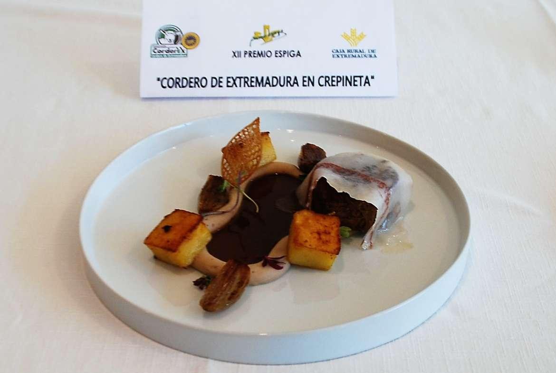 El cocinero Luis Miguel García Vilchez gana el galardón del XII Premio Espiga de Corderex-Caja Rural de Extremadura
