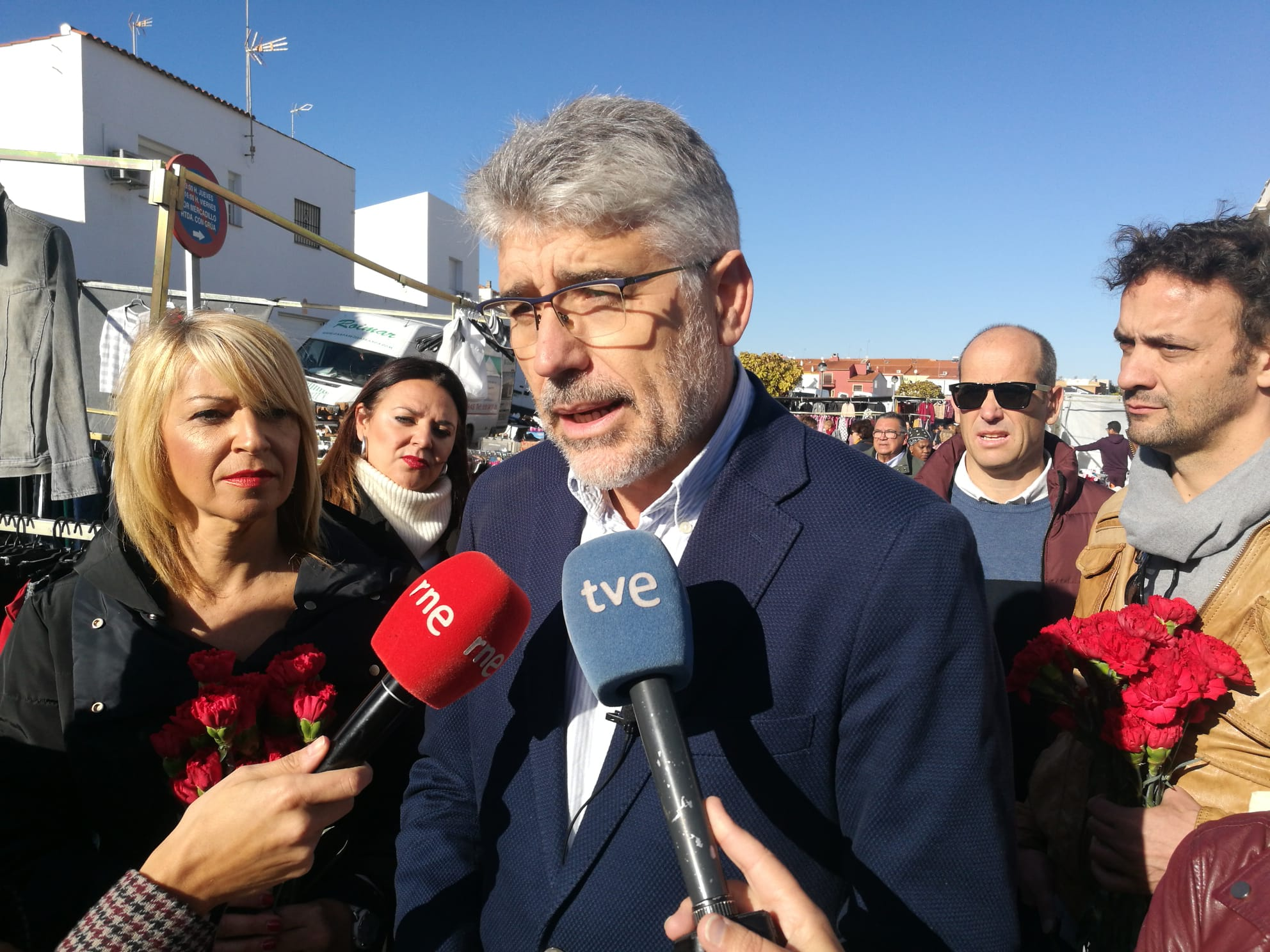 El PSOE apela a la movilización de la izquierda para frenar el domingo a la derecha y a la ultra derecha