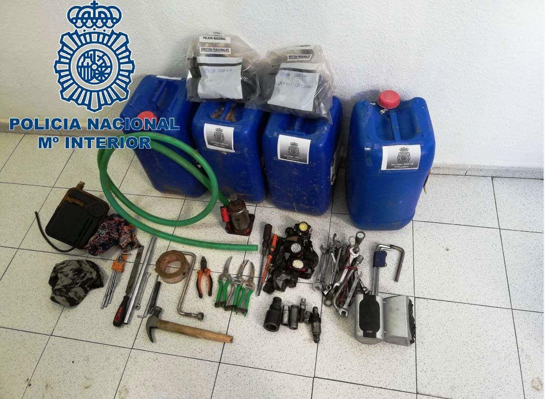 Detenidos dos individuos por robar gasoil de un camión en Almendralejo