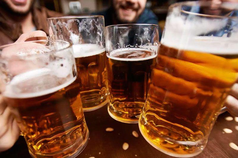 La ingesta moderada de cerveza podría mejorar la salud cardiovascular en adultos obesos