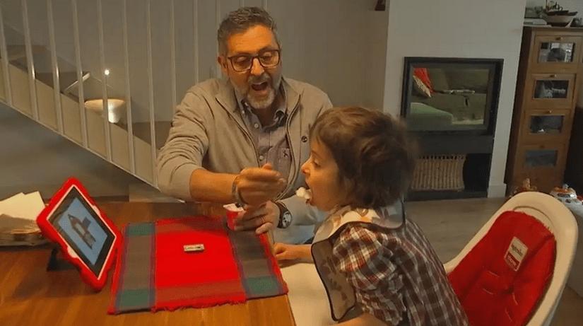 Clàudia, la niña que padece una enfermedad única en el mundo