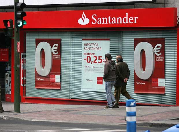 Banco Santander ofrecerá a  26.000 exempleados cobrar su renta vitalicia de golpe en un solo pago.