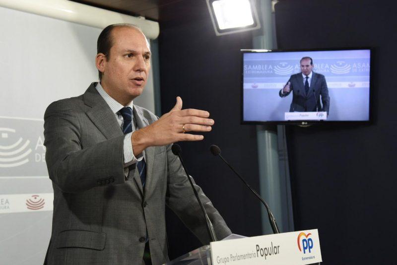 El PP advierte de que vienen recortes para los extremeños por el fuerte deterioro de las cuentas regionales