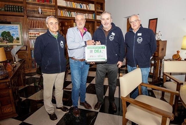 La Diputación de Cáceres entrega un desfibrilador al Banco de Alimentos