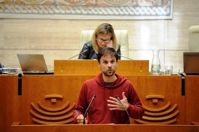 """Álvaro Jaén: """"¿Qué motivos tienen PSOE, PP y C`s para rechazar el blindaje de las pensiones por ley?"""
