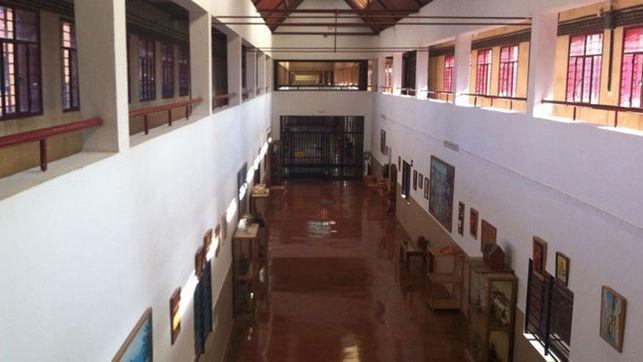 Los funcionarios de la prisión de Badajoz impiden la fuga de un interno este sábado