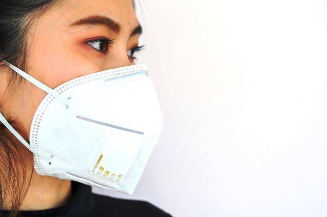 Solidaridad: Un ciudadano chino dona 2.000 mascarillas faciales al Hospital de Mérida