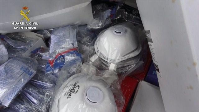 Requisadas unas 69.000 mascarillas y más de 5.000 gafas y guantes