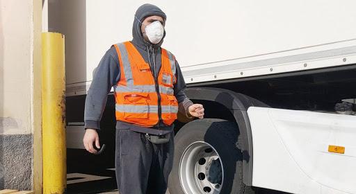 21.275 mascarillas se repartirán a 3.454 empresas de trasnportes de viajeros y mercancía extremeñas